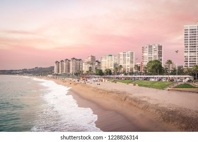 Pink sunset at El Sol Beach - Vina del Mar, Chile