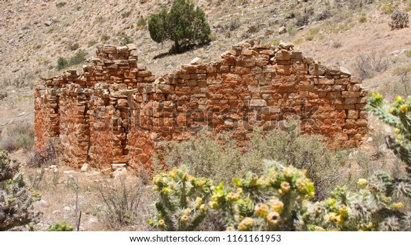 A pioneer stone home in Snake Gulch Canyon, Arizona, USA.