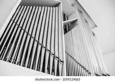 pipe organ musical instrument