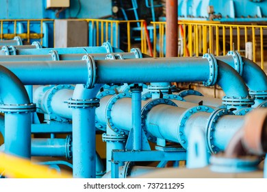 Piping and equipment in combined cycle power plant with metal tone