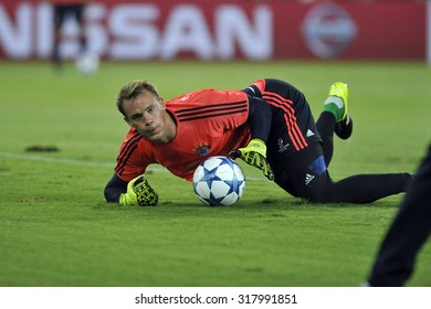Piraeus, Greece Sept. 16, 2015. Bayern's goalkeeper Manuel Neuer at the football field, warms up  before the Champions League game between  Olympiakos against Bayern Munich