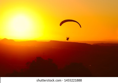 Paramotor Images, Stock Photos & Vectors | Shutterstock