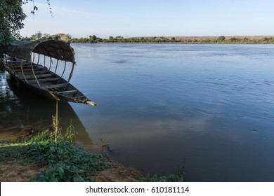 Pirogue on the Niger river, Niger, Africa