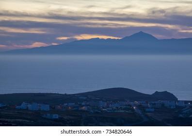 Piso Firme, Teide