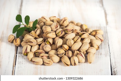 Pistachio nuts in the bowl