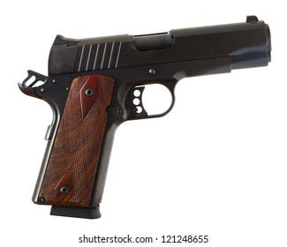 Pistol that is of the 1911 style by shortened to commander length