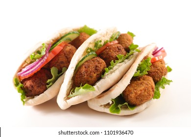 pita bread with vegetable and falafel