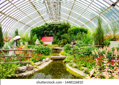 Pittsburgh, Pennsylvania / US - 07/06/2019 : Amazing flower and art installation at Pittsburgh Phipps Botanical Garden Downtown