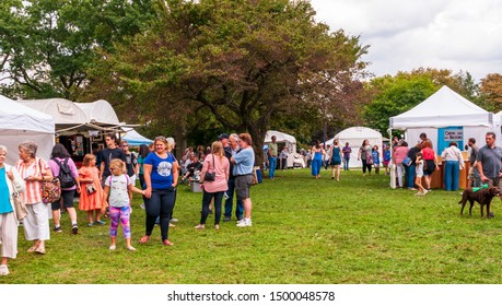 Pittsburgh, Pennsylvania, USA 9/8/2019 People at the A Fair in the Park, a yearly art fair held in Mellon Park in summertime