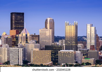 Pittsburgh, Pennsylvania, USA downtown skyline.