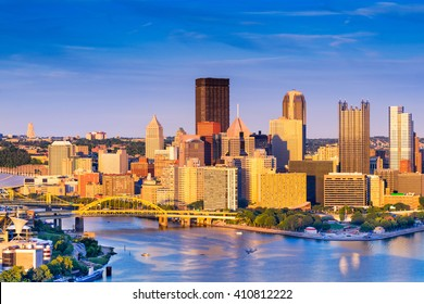 Pittsburgh, Pennsylvania, USA at dusk.