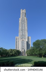 PITTSBURGH, PENNSYLVANIA/USA - JULY 30, 2019: Exterior of the Cathedral of Learning on the campus of the University of Pittsburgh