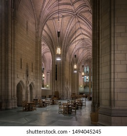 PITTSBURGH, PENNSYLVANIA/USA - JULY 30, 2019: Commons Room in the Cathedral of Learning on the campus of the University of Pittsburgh
