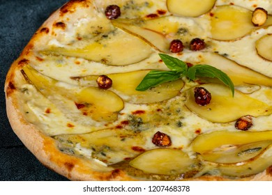 Pizza with gorgonzola and sweet pear
