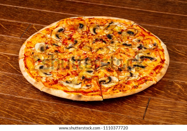Pizza with mushroom and cheese