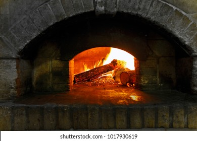 Pizza oven for pizza