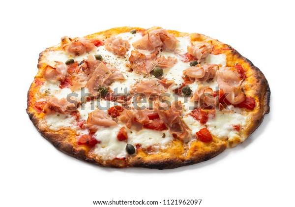 Pizza with prosciutto cotto ham, mozzarella, tomato sauce, capers and oregano