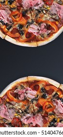 pizza with tomatoes, chicken and olives