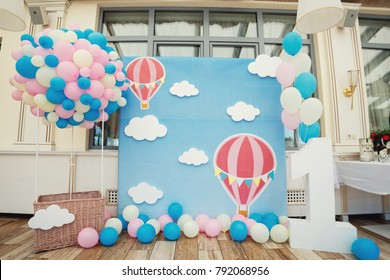 Place for photos made like a balloon for a flight