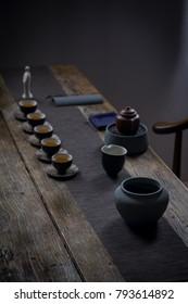 Place the teapot pot