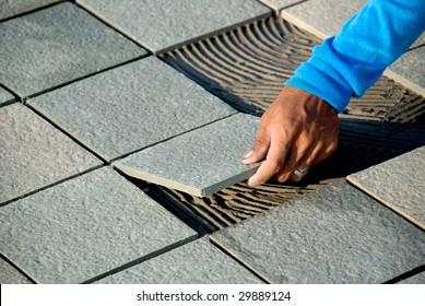 Placing the floor tiles