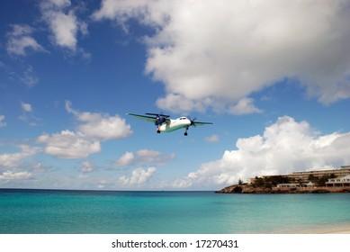Plane landing at Maho Beach Saint Martin