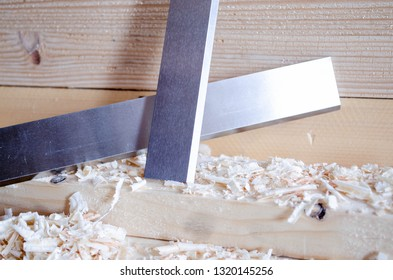 Planer knives manufactured in HSS and chromium steel. Precision tools for woodworking industry.