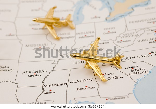 Planes Flying Over United States Map Stockfoto (Jetzt ...