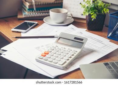 Individuelle Einkommenssteuer und Kalender 2020 Für Personen mit Einkommen Nach US-Recht.Dies ist die Jahreszeit, die Steuern zu zahlen hat, Abgabetermin.Planungskonzept