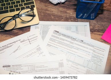 Planning Budget Concept.Calendar 2019 and Individual Income Tax Form For who have income According to United States law.This is the season that has to pay taxes,deadline of tax payment.