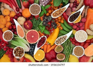 Pflanzliche gesunde Antioxidantien für Veganer mit Obst, Gemüse, Getreide, Körner, Leguminosen, Kräuter Gewürz. Hoch in Fasern, Protein, Anthocyane, Lycopine, Vitamine, Carotinoide, Omega 3.