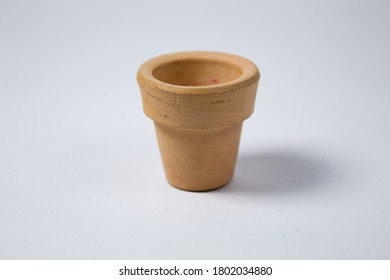 Plant pot, ceramic with white background