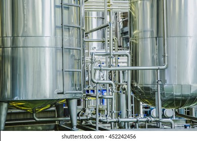 Plant for the production of juices / Fresh fruit and vegetable juice production and packing line / cistern