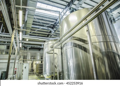 Plant for the production of juices. Fresh fruit and vegetable juice production and packing line. Cistern