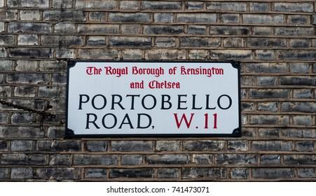 The plaque who indicates the world famous Portobello Road