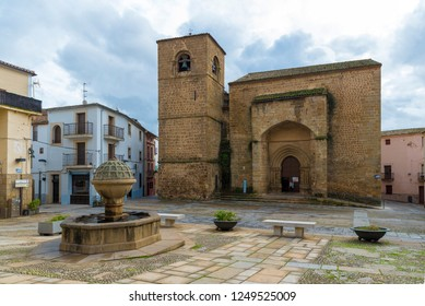 PLASENCIA, CACERES, SPAIN - NOVEMBER 25, 2018: fountain in front of the church of San Nicolás