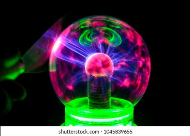 Plasma Static Electricity on a Tesla Sphere