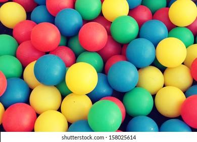 plastic color balls