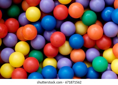 plastic color balls
