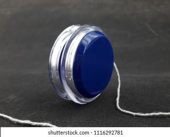 plastic toy yoyo