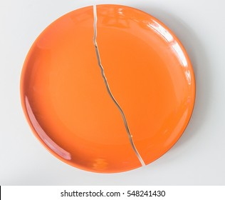 plate with crack