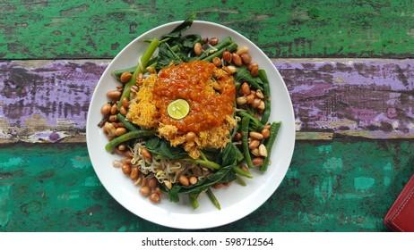 Plate of Lawar Sayur