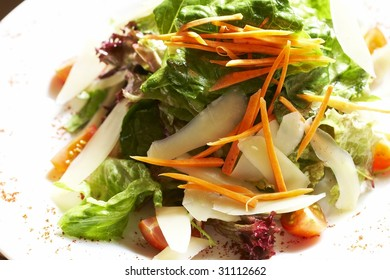 plate of salad on the table