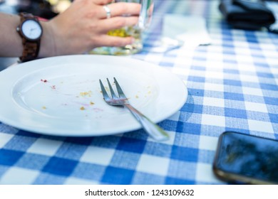 Plates and Cutlery is lying on a table