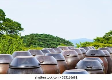 platform for crocks of raw rice wine (called Makgeolli) in Korea.