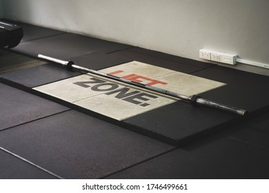 Platform for deadlift with good quality Properly placed for quality workouts and able to exercise effectively.