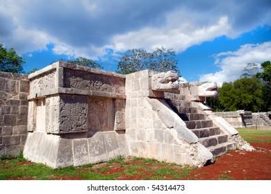 Platforma de jaguares y Aguilas, Chichen Itza, Yucatan, Mexico