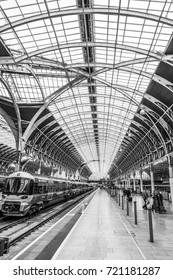 The Platforms at Paddington Station in London - LONDON / ENGLAND - SEPTEMBER 19, 2016