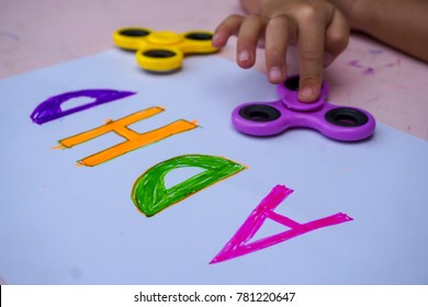 Play therapy for ADHD kids (Attention deficit hyperactivity disorder). Spinner helps with ADHD syndrome.