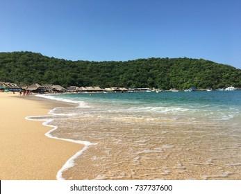 Playa El Maguey. Santa Maria Huatulco, Oaxaca, Mexico.
